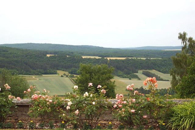 Vue du jardin jules roy à vezelay