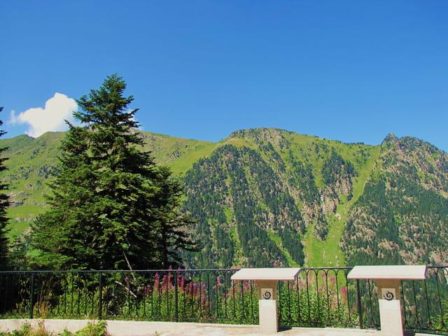Vue panoramique sur le massif du pont d'Espagne - Pyrénées.