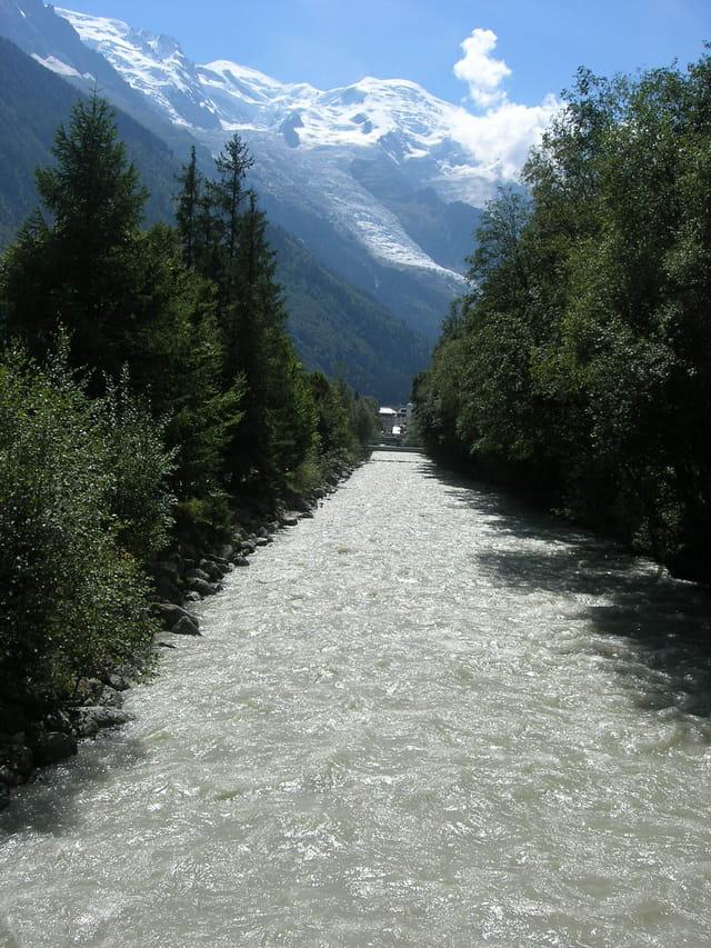 Vue sur le Mont-Blanc au dessus de Larve à Chamonix