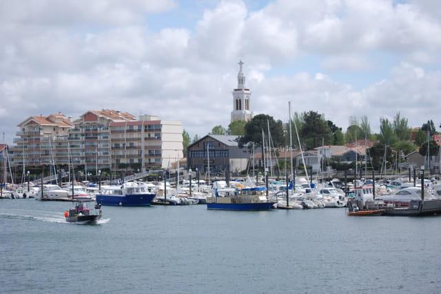 Vue sur le port de plaisance d 39 arcachon par genevieve - Restaurant arcachon port de plaisance ...