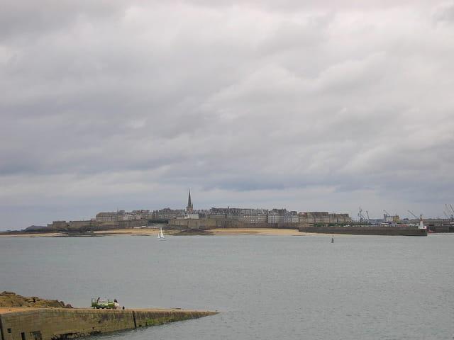 Vue sur Saint Malo (1) depuis Aleth