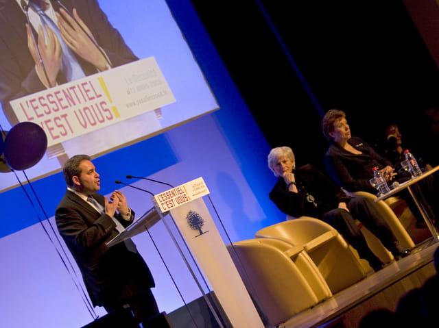 Xavier Bertrand soutient F. de Panafieu