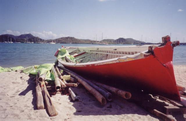 Yole: barque de pêcheurs-martinique