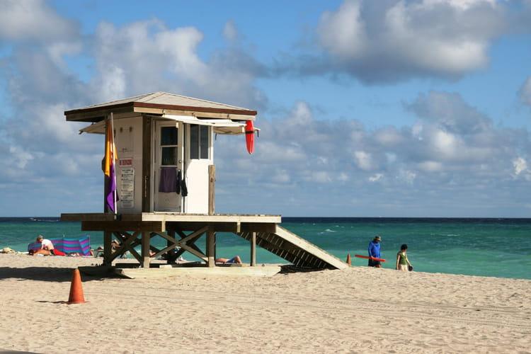 Cabane de plage par marinella pires sur l 39 internaute for Cabane de plage bois