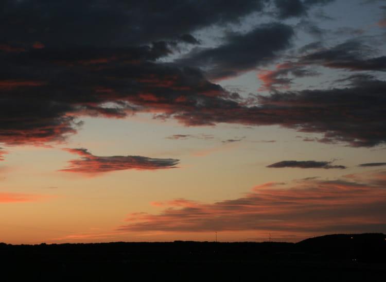 2011: Le 18/11 en fin d'après midi - OVNI loire atlantique  1223104