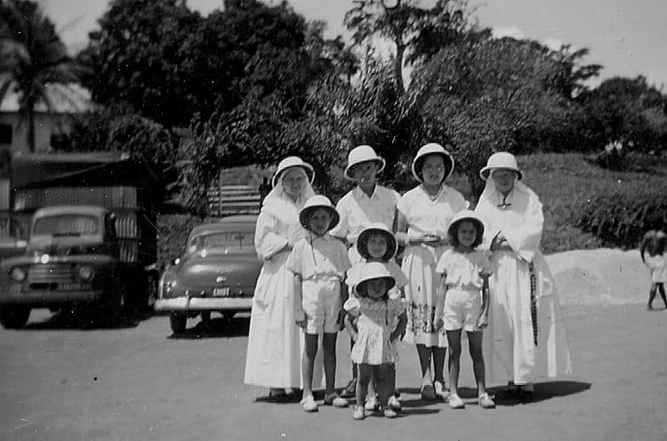 Kamina avec les soeurs du couvent par chantal togni sur l - Les soeurs du marquis ...