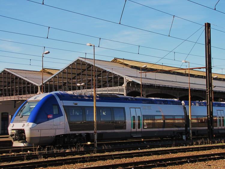 Train SNCF - AGC. par jean-marc puech sur L'Internaute
