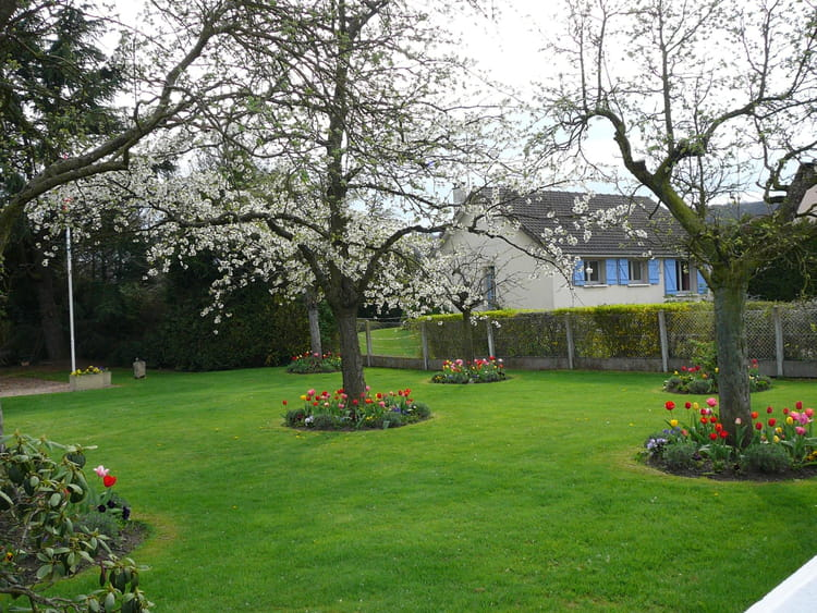Jardin normand au printemps par jacqueline dubois sur l for Le jardin normand
