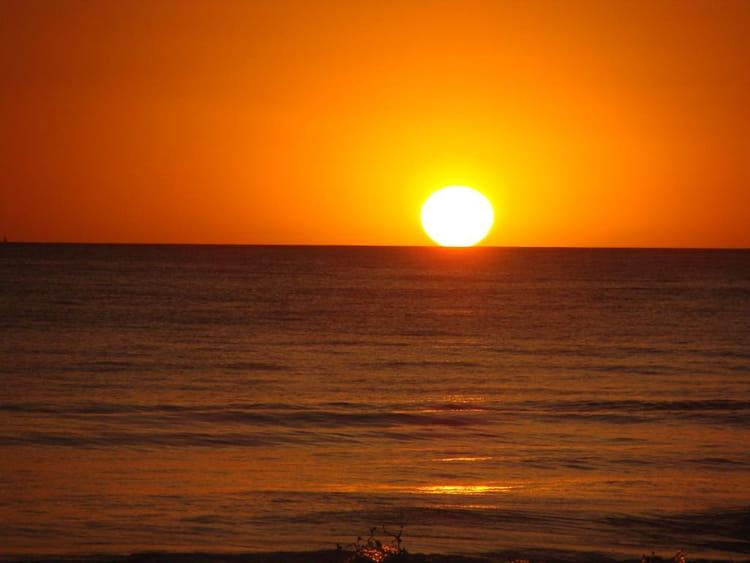 L 39 heure o le soleil se couche par monique cochaux sur l 39 internaute - Quelle heure se couche le soleil ...
