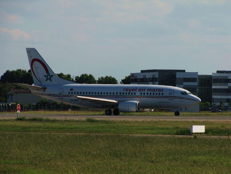 avion de ligne boeing 737 cie royal air maroc par jean marc puech sur l 39 internaute. Black Bedroom Furniture Sets. Home Design Ideas