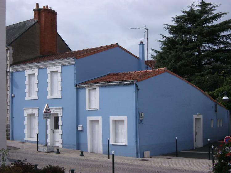 C 39 est une maison bleue par julien augier sur l 39 internaute - Chanson une maison bleue ...