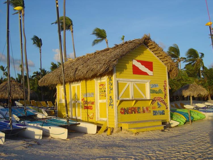 Cabane de plage par magalie taillebeau sur l 39 internaute for Cabane de plage pour jardin