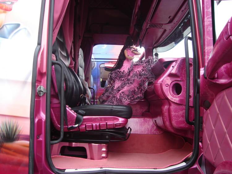 Camion decore 8 par olivier jaguelin sur l 39 internaute for Interieur camion scania