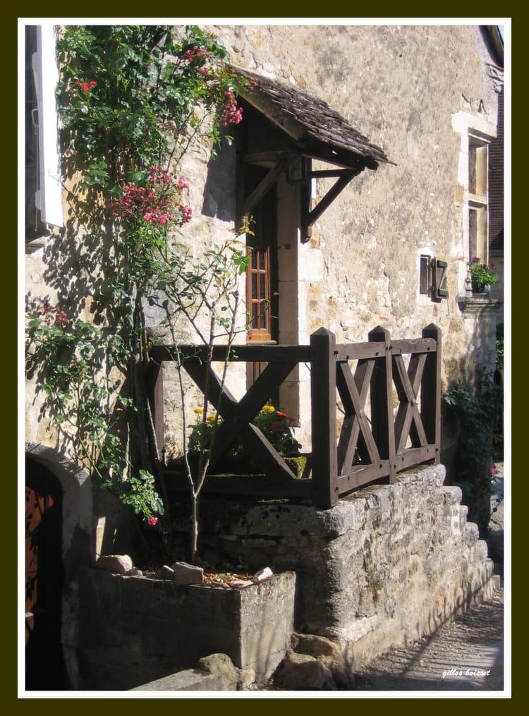 Carennac escalier et porche de maison ancienne par gilles for Escalier maison ancienne