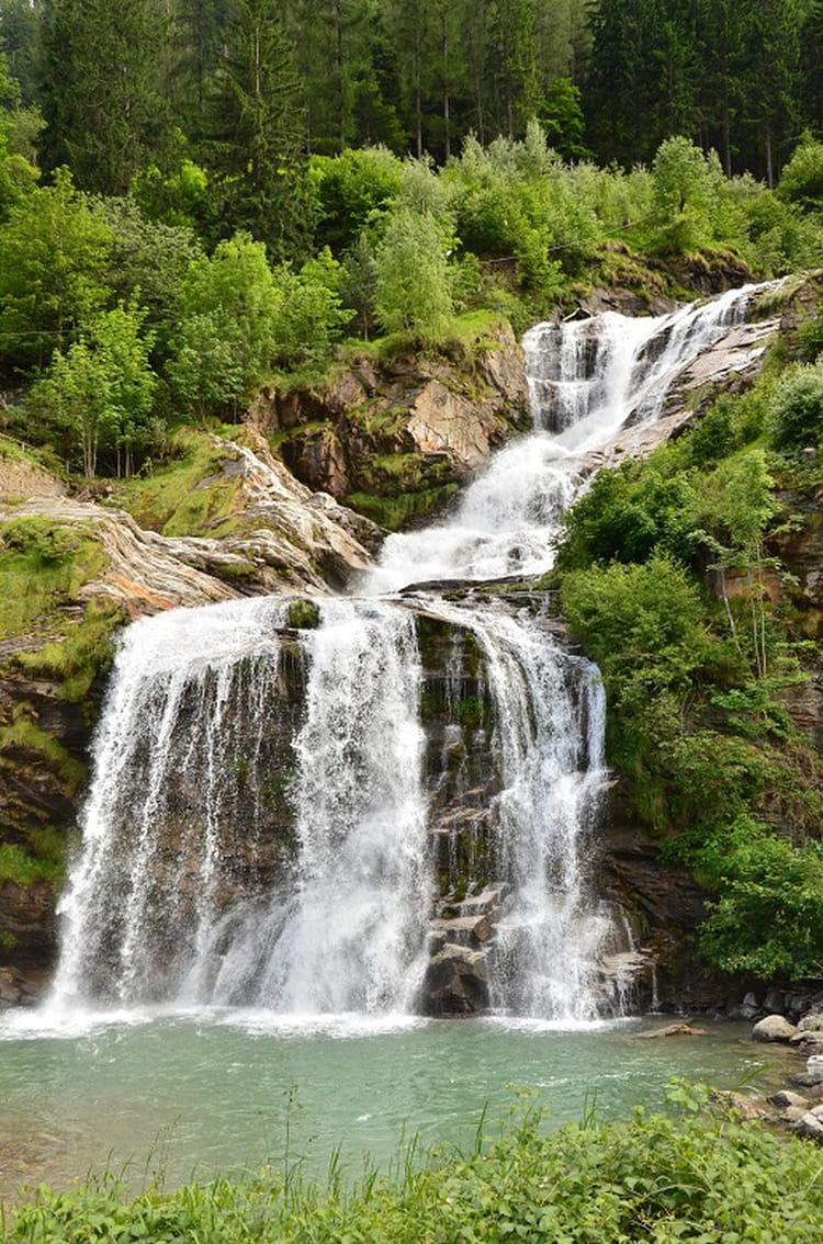 Cascade par beau temps par sur l 39 internaute for Cascada par