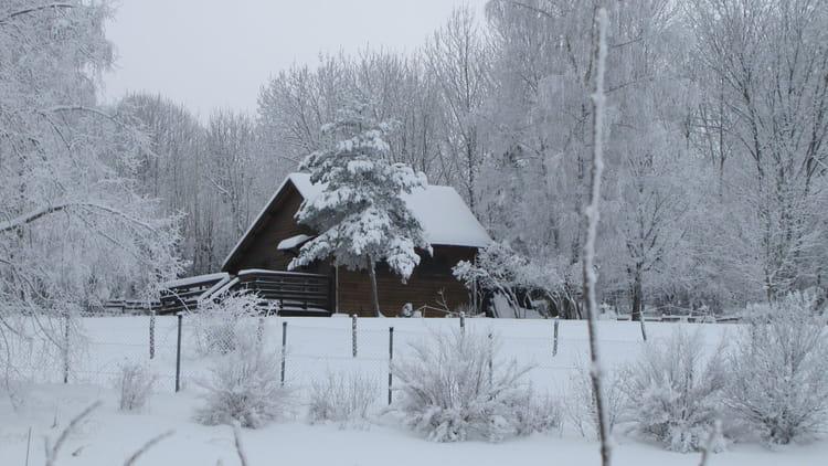 chalet sous la neige par josette grinand sur l internaute