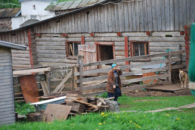 goritsy un village de la campagne russe par genevieve lapoux sur l 39 internaute. Black Bedroom Furniture Sets. Home Design Ideas