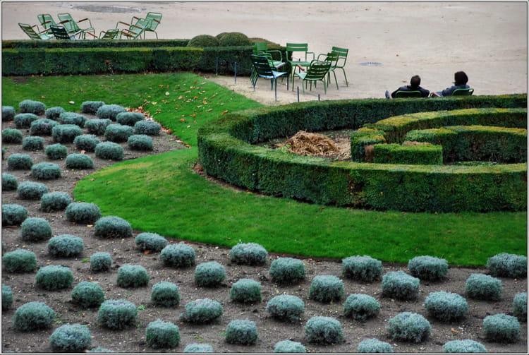 Halte au jardin des tuileries par jean pierre tolomio sur for Au jardin de jean pierre inc