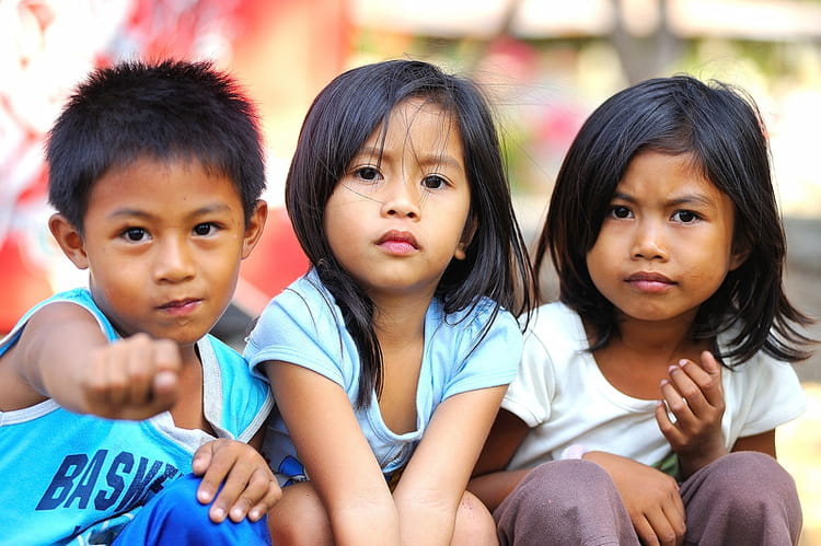 jeunes philippins par alice aubert sur l 39 internaute. Black Bedroom Furniture Sets. Home Design Ideas