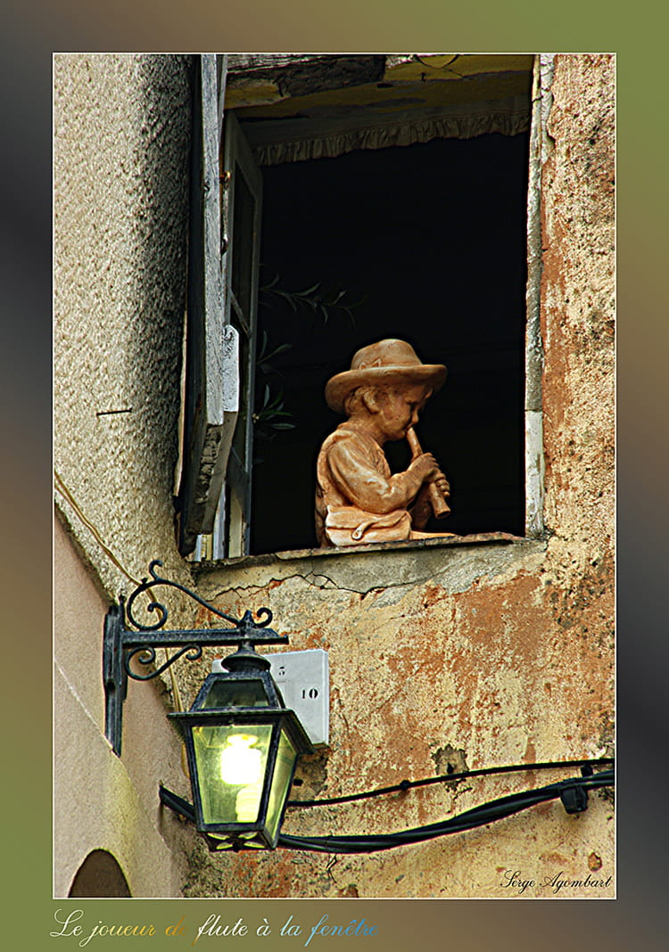Joueur de flute par serge agombart sur l 39 internaute for Appui de fenetre en terre cuite