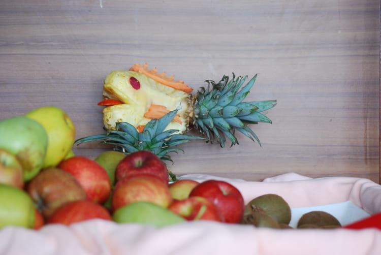 L 39 ananas d coup par genevieve lapoux sur l 39 internaute for Decoupe fruit decoration