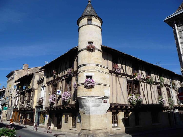 L 39 office du tourisme de sainte foy la grande par william - Office du tourisme sainte foy la grande ...