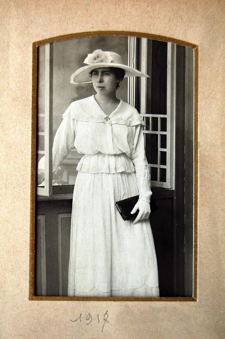 Recherche photo femme blanche