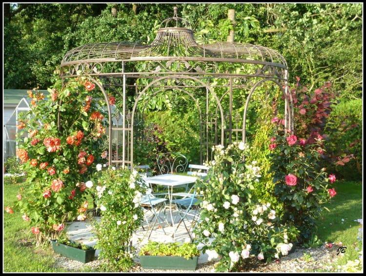 La gloriette et ses roses par jacques bachelot sur l for Amenager un parc paysager