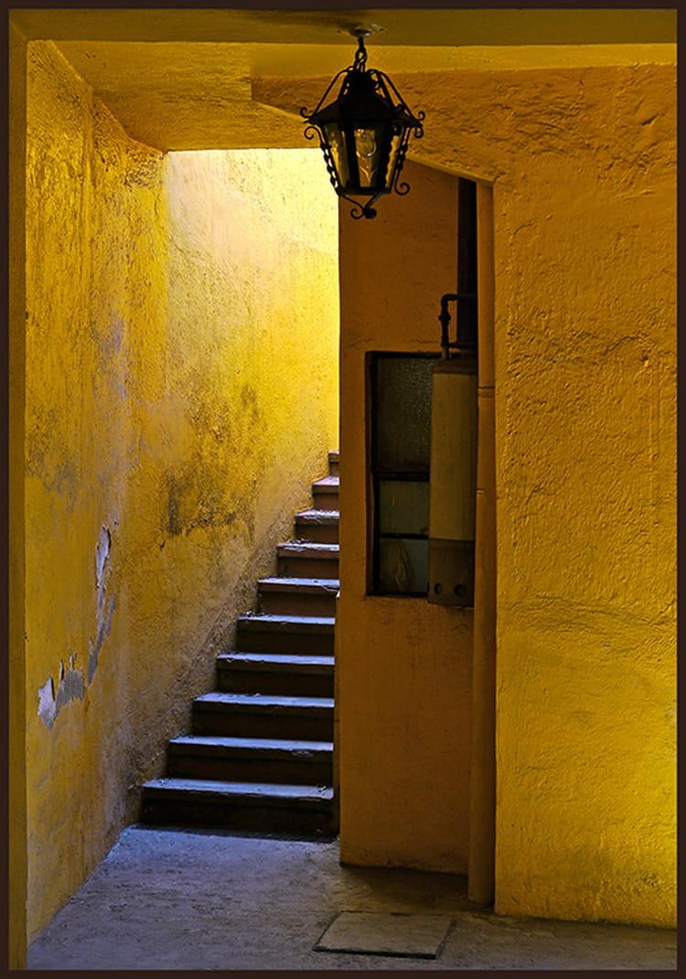 la maison jaune par babeth bonnereau sur l 39 internaute. Black Bedroom Furniture Sets. Home Design Ideas