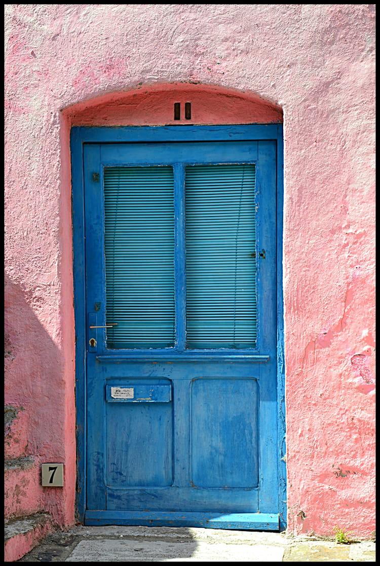 La porte bleue de la maison rose par elise murielle - La porte bleue en belgique ...