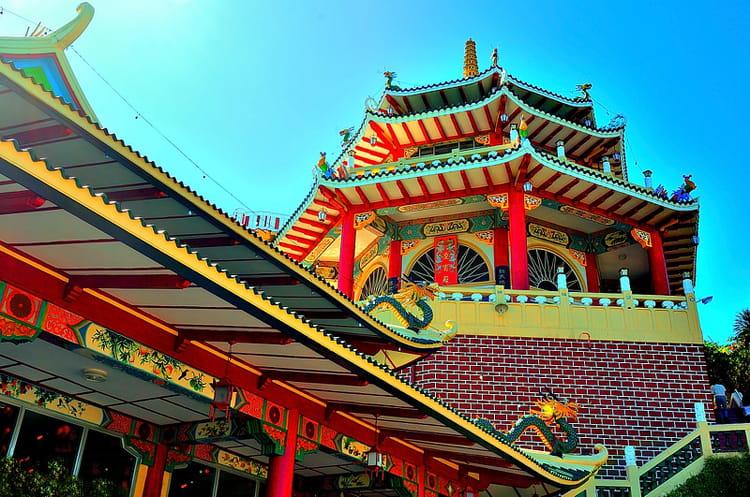 le temple tao ste de cebu par alice aubert sur l 39 internaute. Black Bedroom Furniture Sets. Home Design Ideas