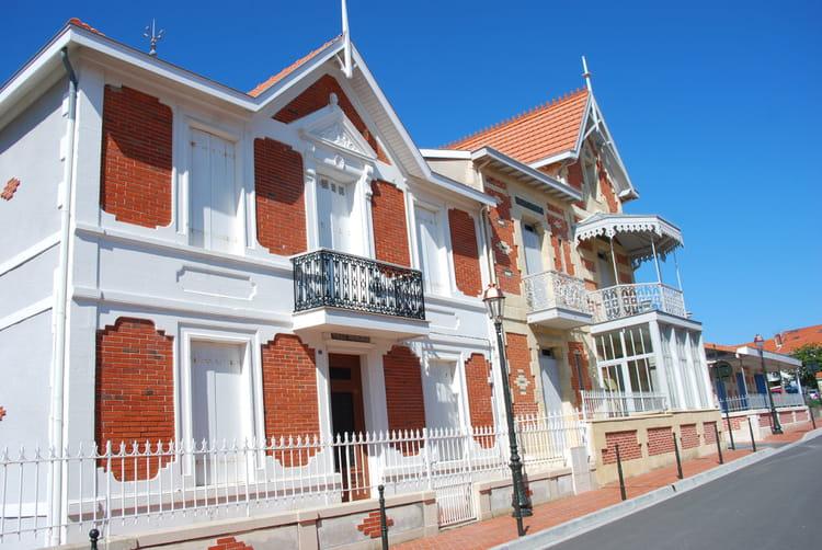 Les belles maisons sjour aux belles touches de dco with for Les belles maisons modernes