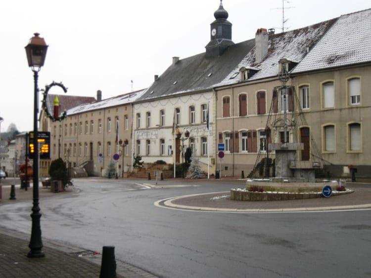 Mairie de bouzonville par genevieve salmon sur l 39 internaute for Piscine de bouzonville