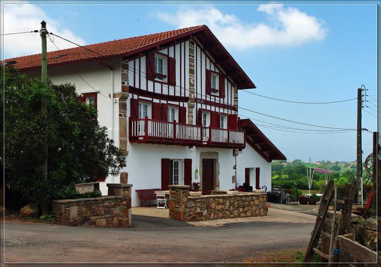 Maison basque par serge agombart sur l 39 internaute for Photos maison basque