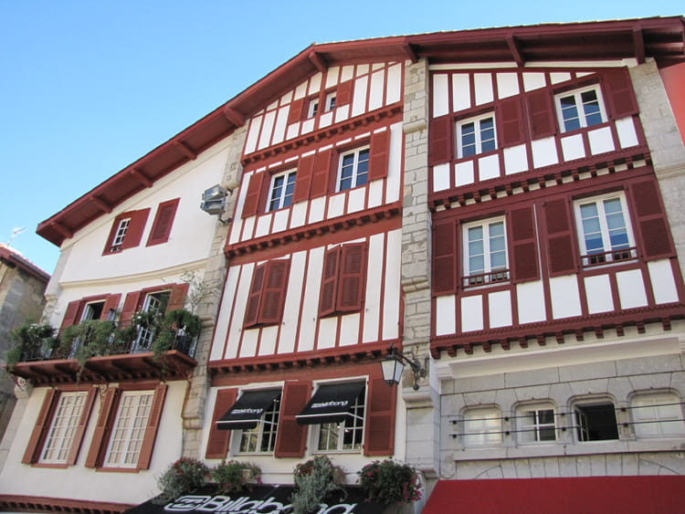 Maison basque saint jean de luz par jean marc puech sur for Maison saint jean lille