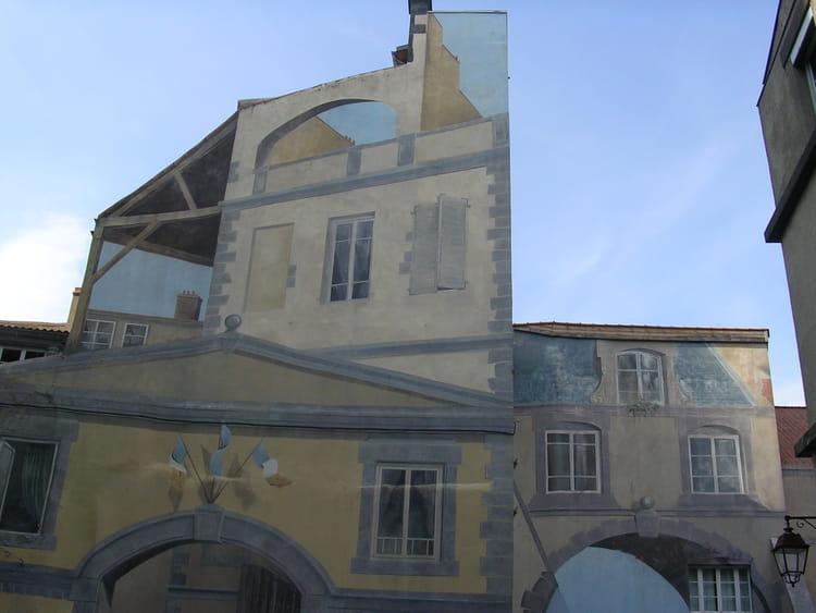 Maison en trompe l 39 oeil par isabelle maurette sur l 39 internaute - Trompe l oeil maison ...