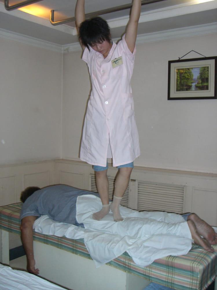 massage chinois par francoise boucheron sur l 39 internaute. Black Bedroom Furniture Sets. Home Design Ideas