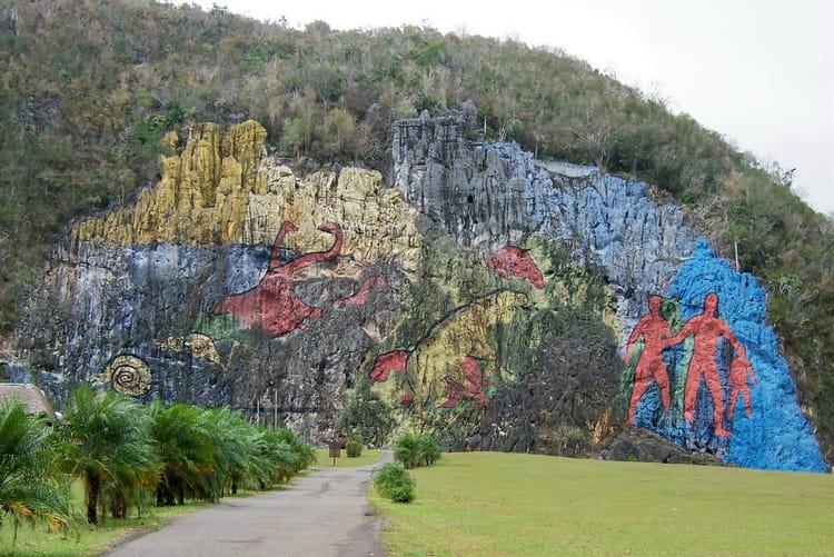 Mural de la pr histoire par sur l 39 internaute - Deposer du carrelage mural ...