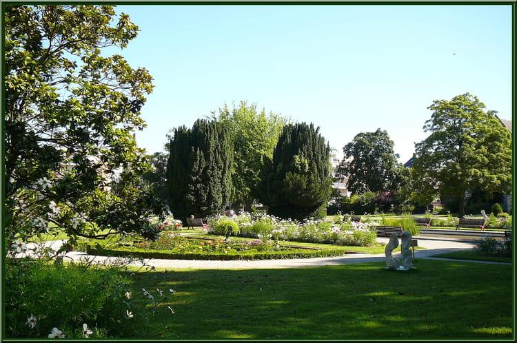 Ombre et lumière au jardin botanique - 6 par Jacqueline DUBOIS sur L ...