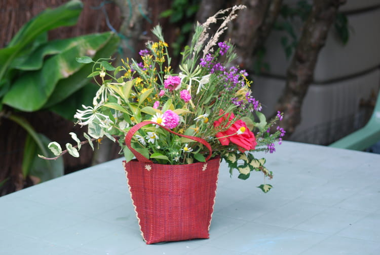 petit bouquet de fleurs d 39 t par genevieve lapoux sur l 39 internaute. Black Bedroom Furniture Sets. Home Design Ideas