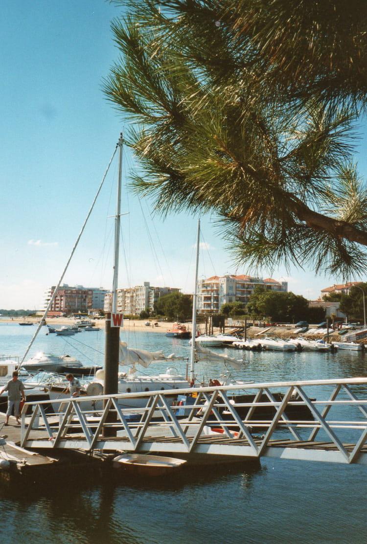 Port de plaisance d 39 arcachon par annie doise sur l 39 internaute - Restaurant arcachon port de plaisance ...