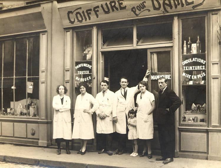 Salon de coiffure en 1930 par jean pierre gasparini sur l 39 internaute - Salon de coiffure paris 20 ...