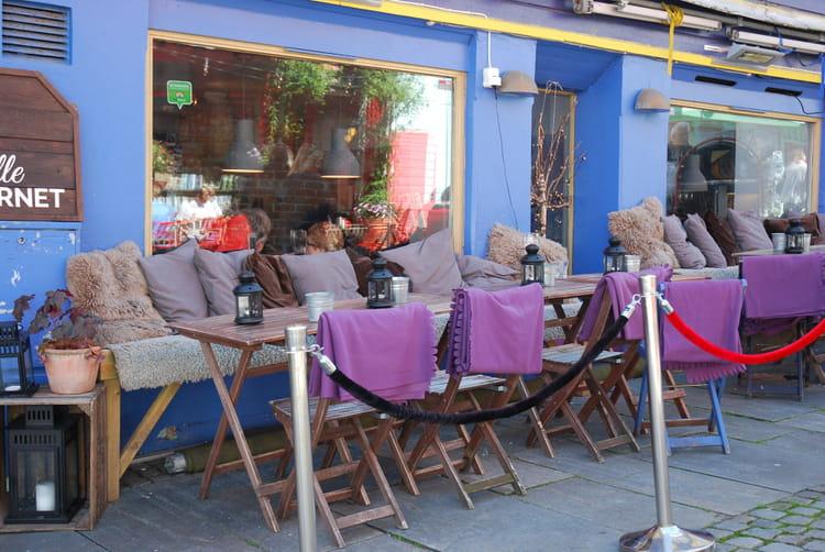 terrasse de bar restaurant en norv ge par genevieve lapoux sur l 39 internaute. Black Bedroom Furniture Sets. Home Design Ideas