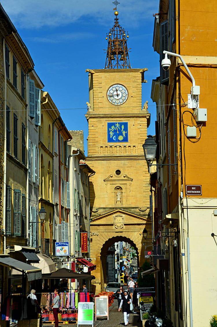 Tour de l 39 horloge salon de provence par philippe manael for Salon de provence marseille