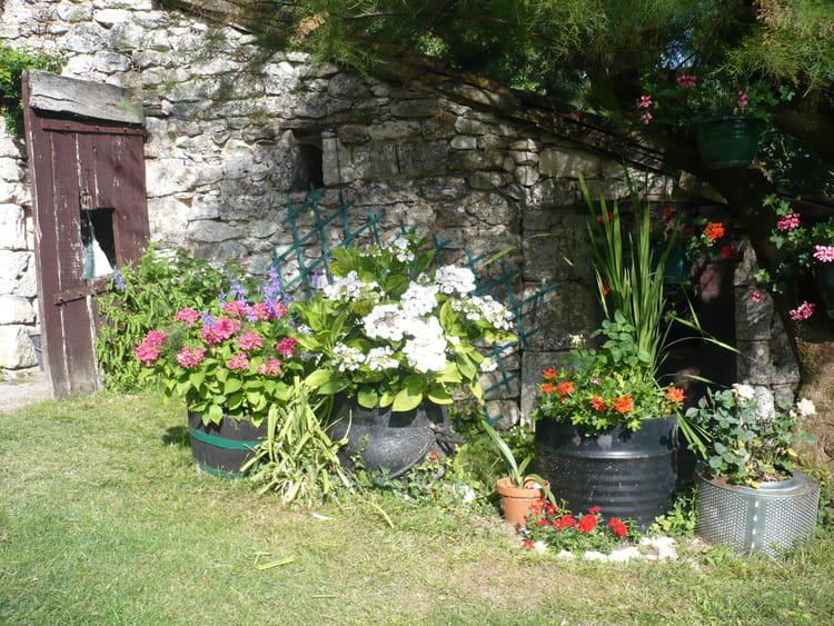 un joli coin de jardin par jacqueline laval sur l 39 internaute. Black Bedroom Furniture Sets. Home Design Ideas