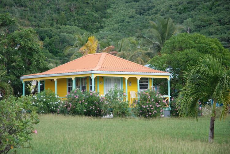 une belle maison dans la nature par genevieve lapoux sur l 39 internaute. Black Bedroom Furniture Sets. Home Design Ideas