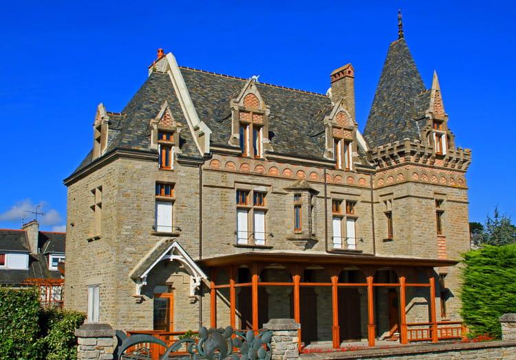 Une des belles villas de st cast par alain biard sur l for Des belles villas