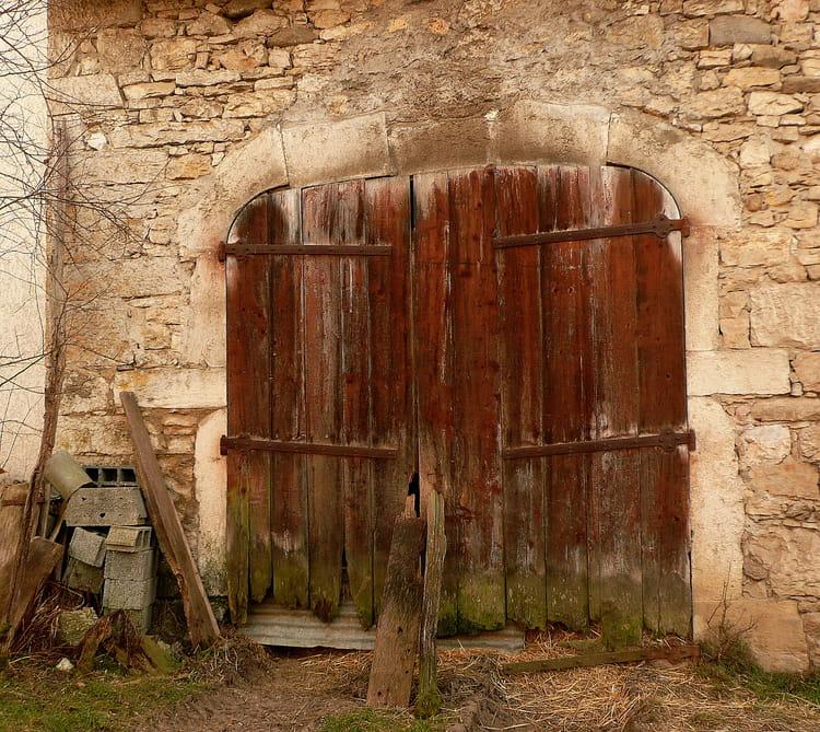 Une porte qui a du v cu par josiane ferret sur l 39 internaute for Isoler une porte du bruit